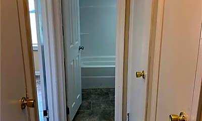 Bathroom, 39 Grove St, 1
