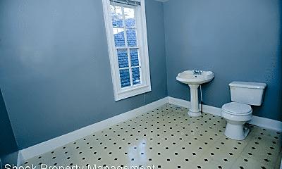Bathroom, 1113 North St, 2