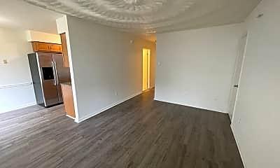 Bedroom, 201 W 34th St, 2