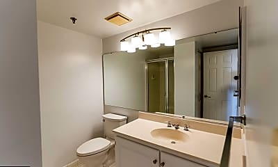 Bathroom, 4808 Moorland Ln 803, 2