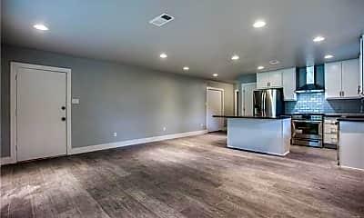 Living Room, 10745 Lake Gardens Dr, 2