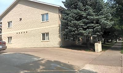 K & L Apartments, 0