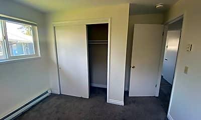 Bedroom, 219 NE Kettle St, 2
