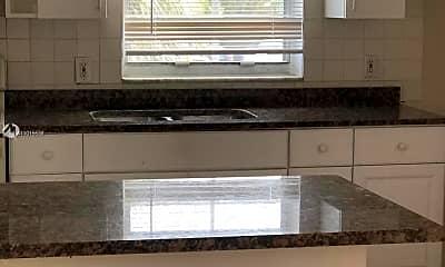 Kitchen, 4240 Riverside Dr 3, 1