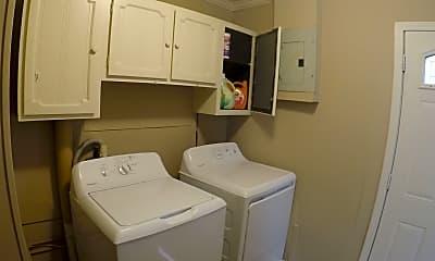 Bathroom, 3209 Underwood St, 2