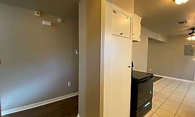 Kitchen, 905 S 2nd St, 2