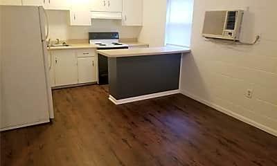 Kitchen, 827 E Shawnee St H, 1
