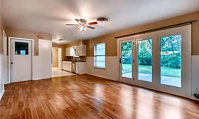 Living Room, 3200 Pinecrest Dr, 0