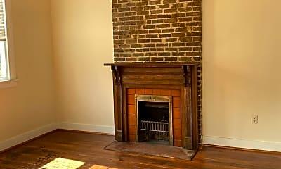 Living Room, 4417 Chestnut St, 1
