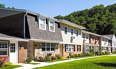 Building, 600 Pine Hollow Rd 20-05B, 2