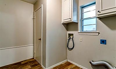 Bathroom, 4804 Whistler Dr, 2