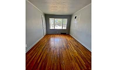 Living Room, 5132 NW Radial Hwy, 2