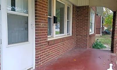Patio / Deck, 221 E 6th St, 1