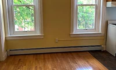 Living Room, 157 E Chestnut St, 1