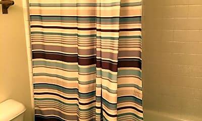 Bathroom, 450 NE Seward Ave, 2