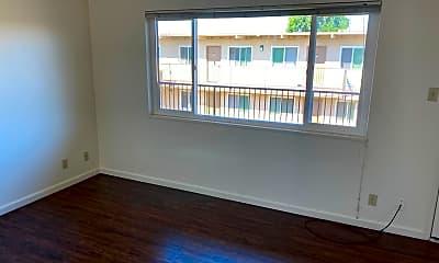 Living Room, 619 E Romie Ln, 0