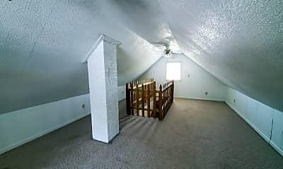 Living Room, 2066 Oakland Pkwy, 2