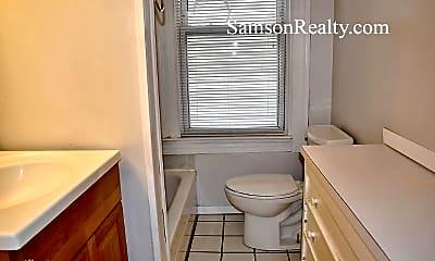 Bathroom, 111 Bowen St, 2