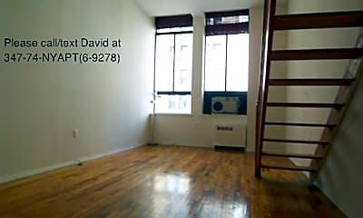 Living Room, 297 Park Ave S, 2