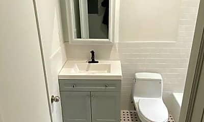 Bathroom, 1810 Frankford Ave 2, 1