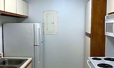 Kitchen, 2929 Beaver Ave, 1