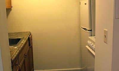 Bathroom, 123 College Heights Blvd, 2