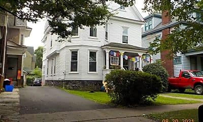 Building, 116 Victoria Pl, 1