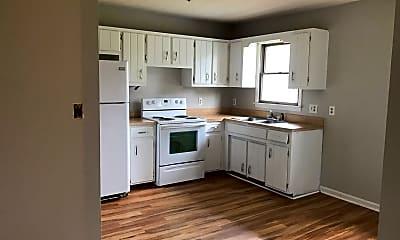 Kitchen, 104 Bluebird Ct, 1