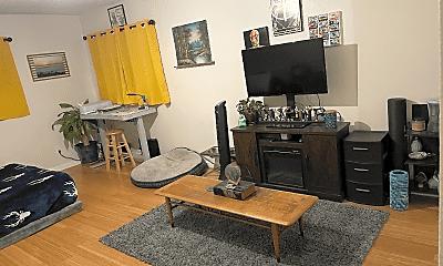 Living Room, 4418 1/2 165th St, 1