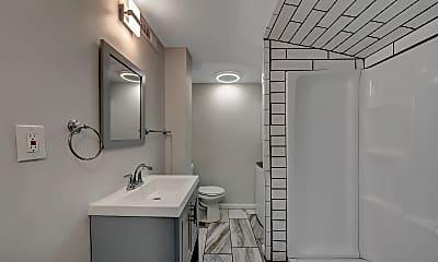 Bathroom, 2425 Roanoke Ave SW, 2