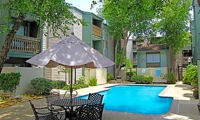 Pool, Fox Run Apartment Homes, 2