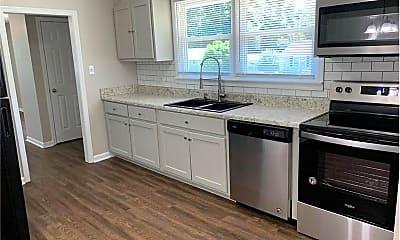 Kitchen, 2841 Cornelia Rd, 1