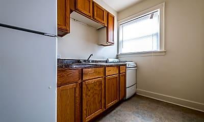 Kitchen, 1931 E 71st St, 1