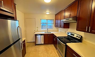 Kitchen, 240 Waverley St, 2