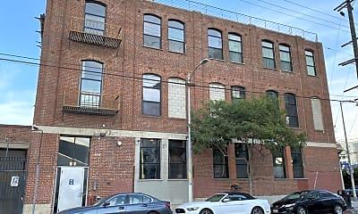 Building, 652 Mateo St 205, 1