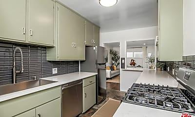 Kitchen, 2115 Ocean Park Blvd 4, 1