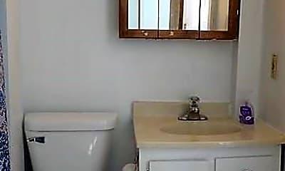 Bathroom, 407 N 8th St, 2