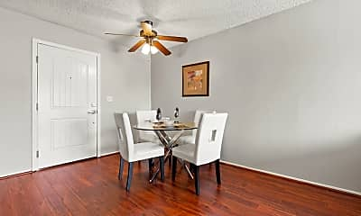 Dining Room, The Oaks Apartments, 0