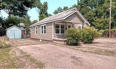Building, 109 Maple Ln, 1