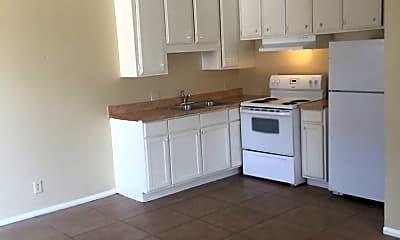 Kitchen, 2517 Poppy Ln, 1