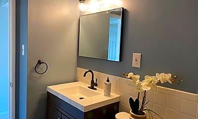 Bathroom, 5422 85th Ave 202, 2