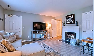Living Room, 5757 Brentwood Trace, 1