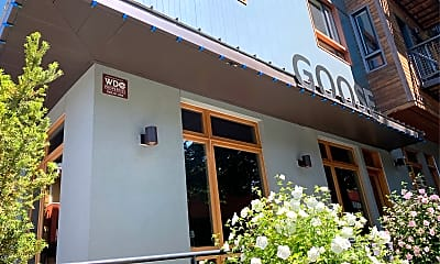 Goose Apartments, 1