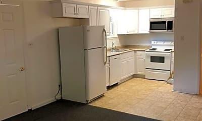 Kitchen, 625 Lake Dr B, 1