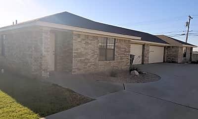 Building, 902 McDaniel Cir, 0