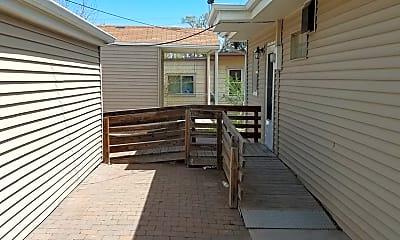 Patio / Deck, 844 E Fountain Blvd, 1