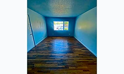 Living Room, 4813 Boyd St, 2