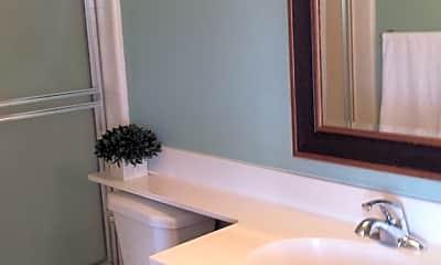 Bathroom, 818 S King St, 2