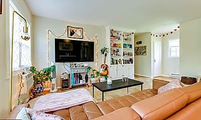 Living Room, 3247 Martha Custis Dr, 1