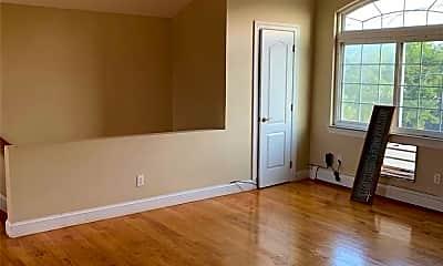 Living Room, 102-15 Dunton Ct, 1